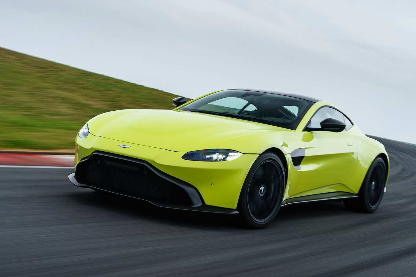 13 A 2019 Aston Martin Vantage Msrp First Drive