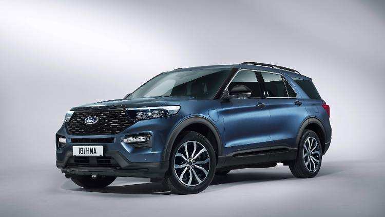 17 A 2019 Ford Explorer History