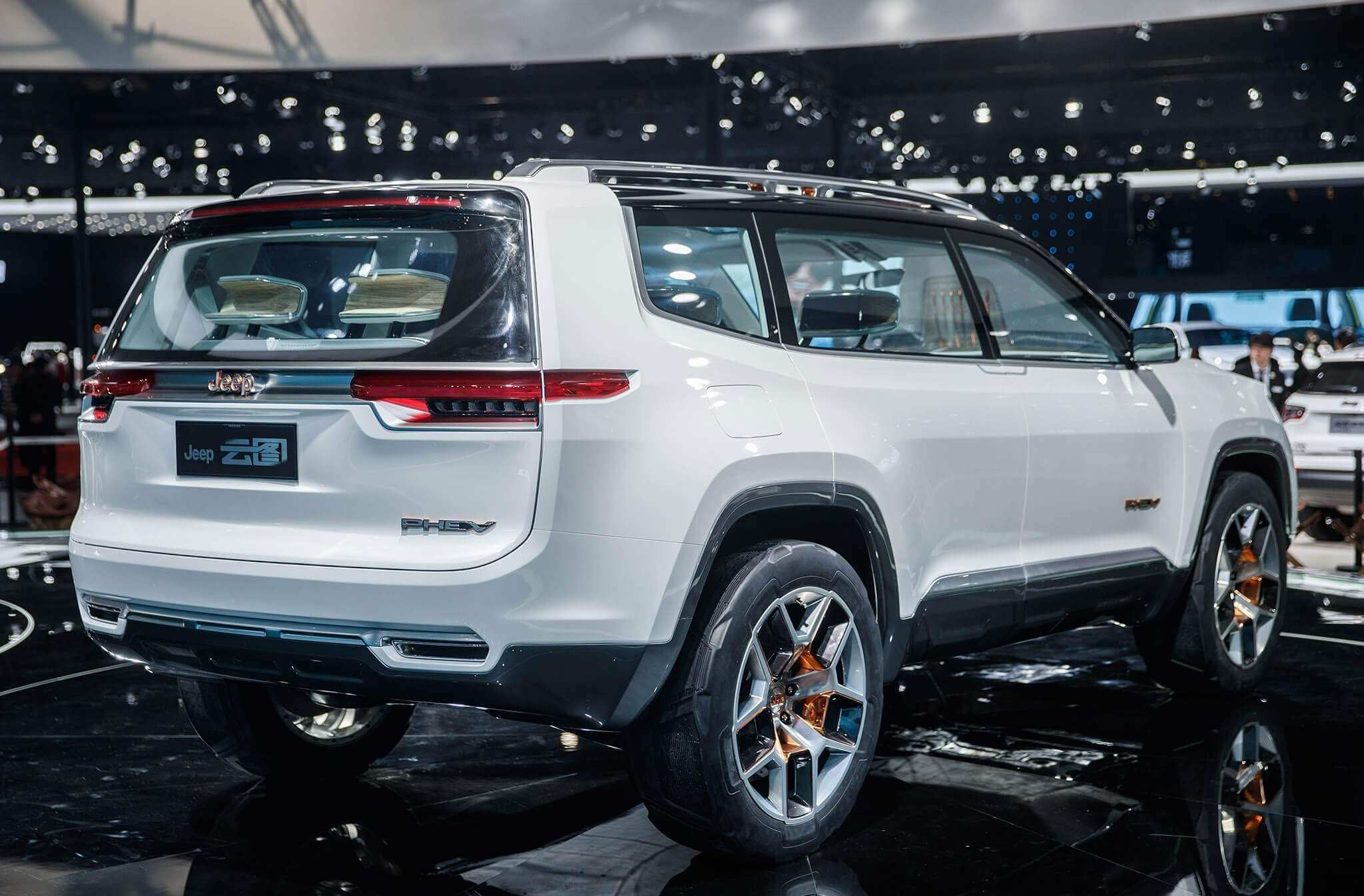 17 The 2020 Jeep Grand Wagoneer Interior Concept