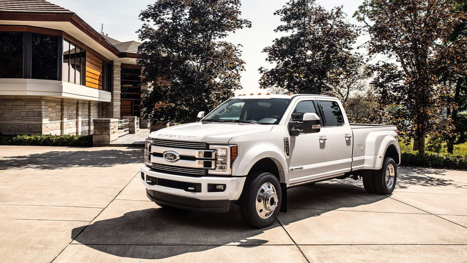 23 A 2019 Ford 450 First Drive
