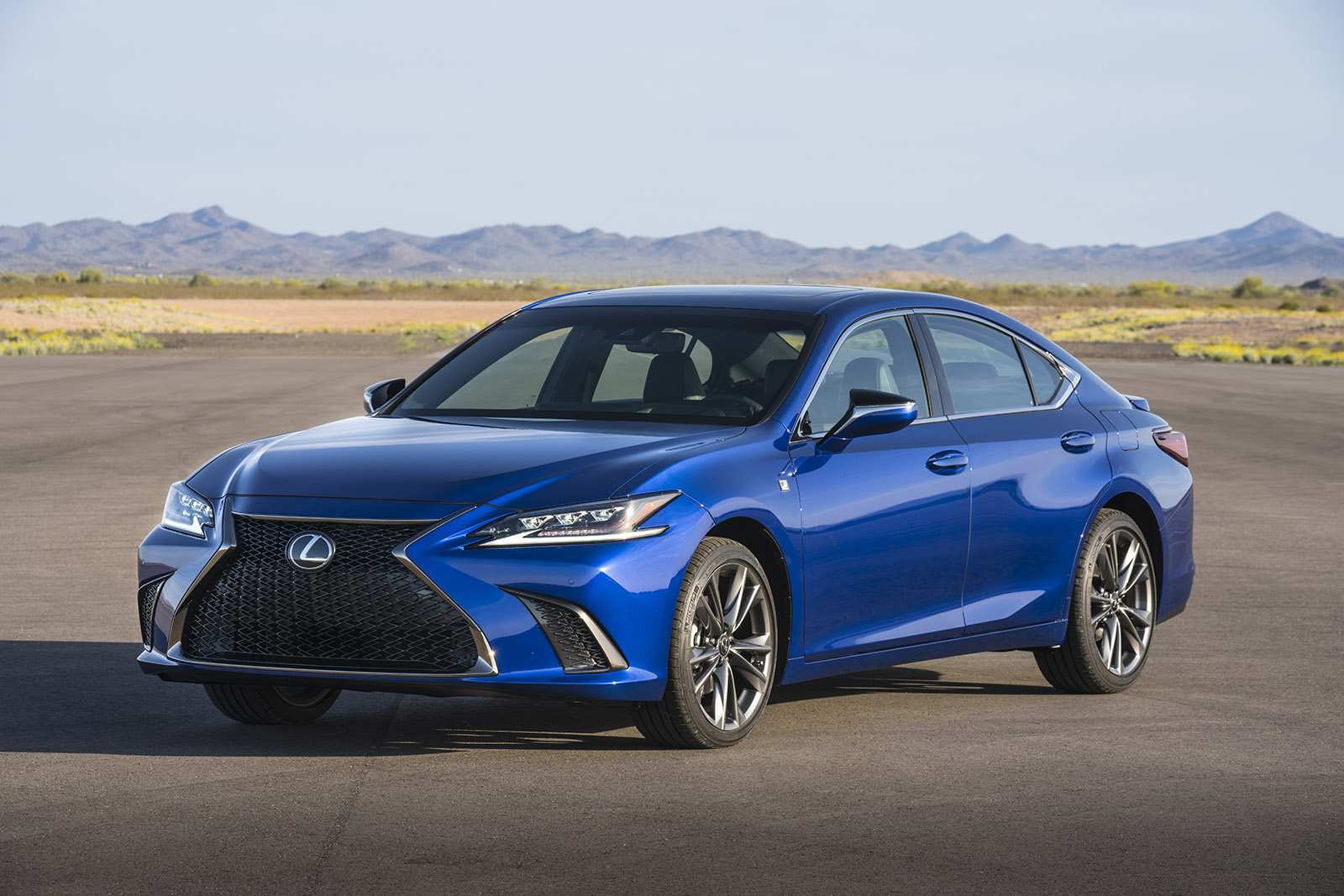 27 New Lexus 2019 F Sport Speed Test