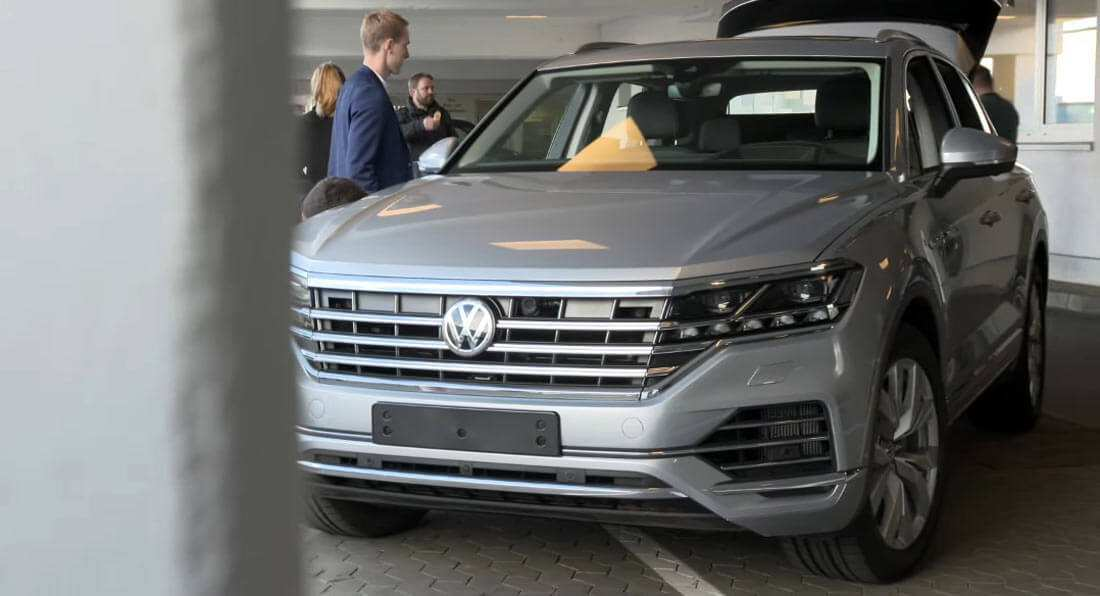 28 A 2019 Volkswagen Touareg Pictures
