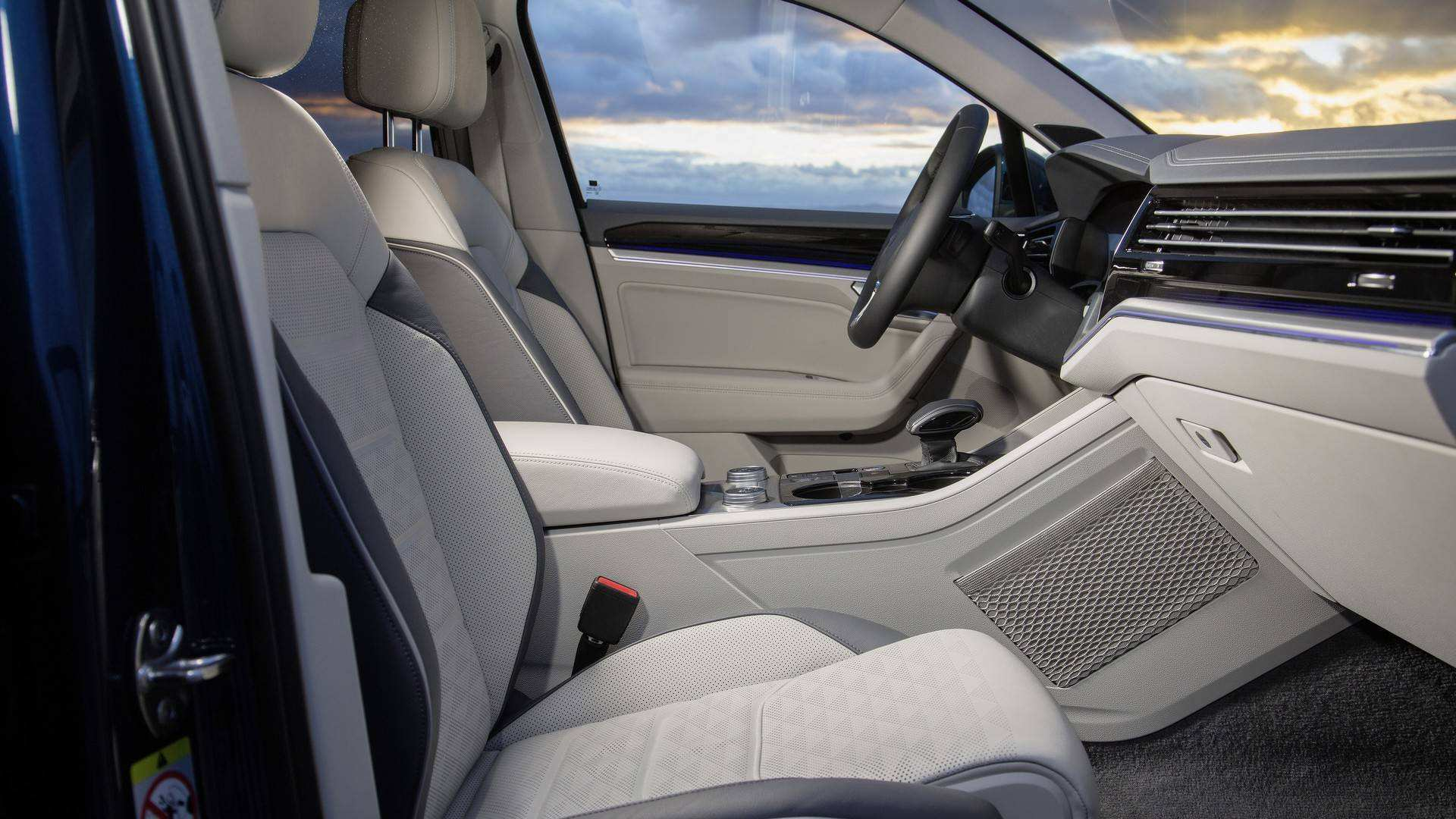 29 The 2019 Volkswagen Touareg Interior Review And Release Date