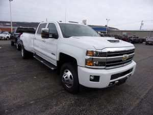 30 A 2019 Chevrolet 3500 High Country Exterior and Interior