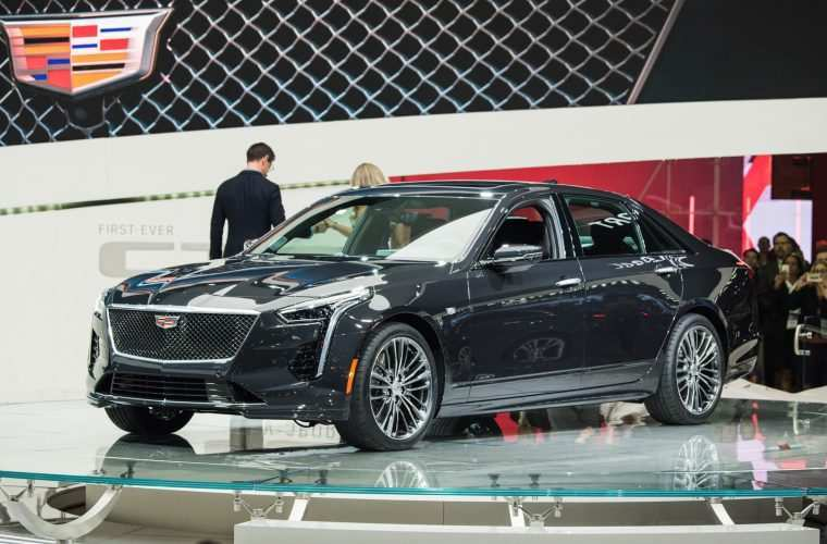 32 A 2019 Cadillac Pics Performance