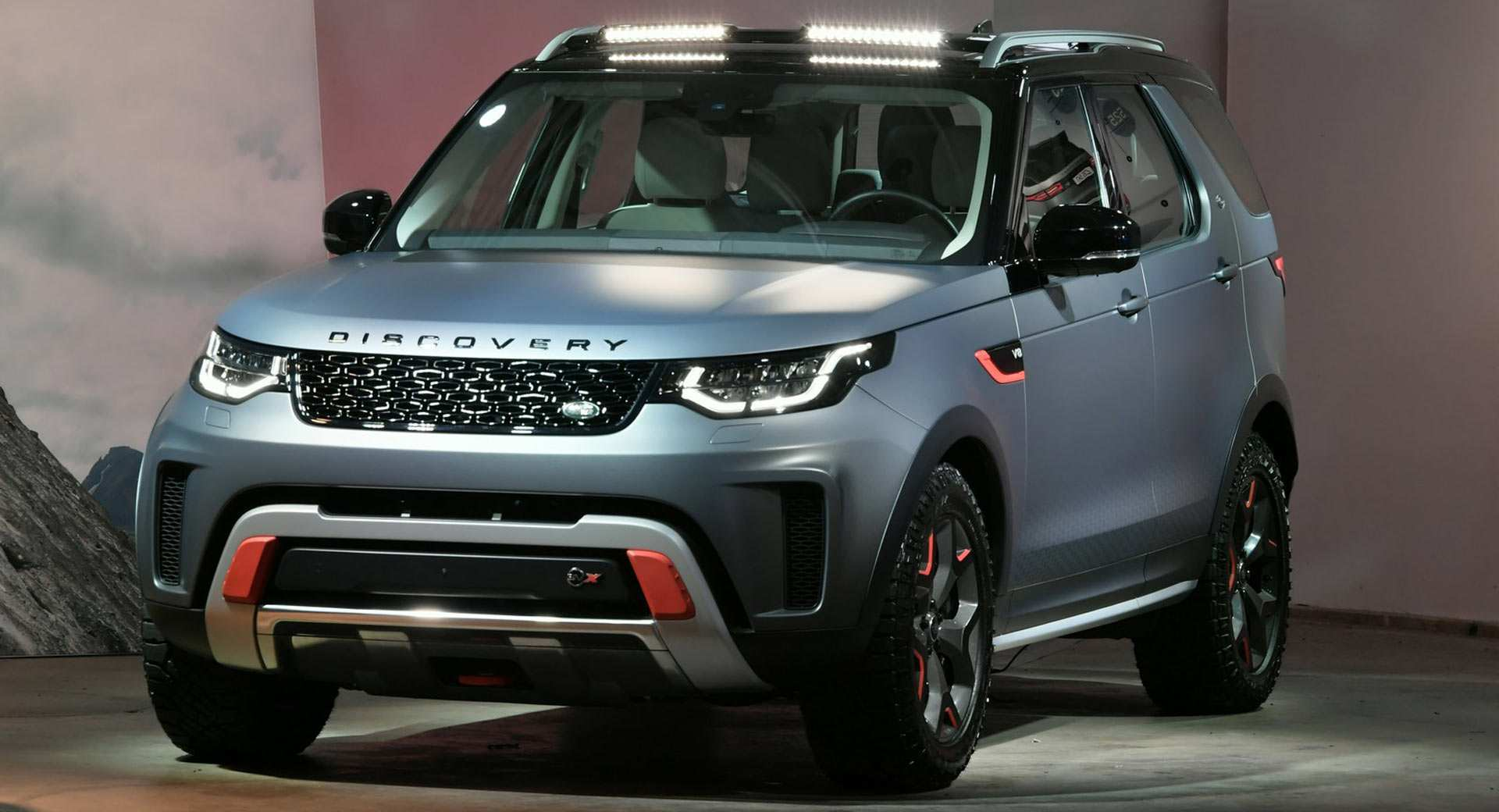 33 A 2019 Land Rover Discovery Svx New Concept