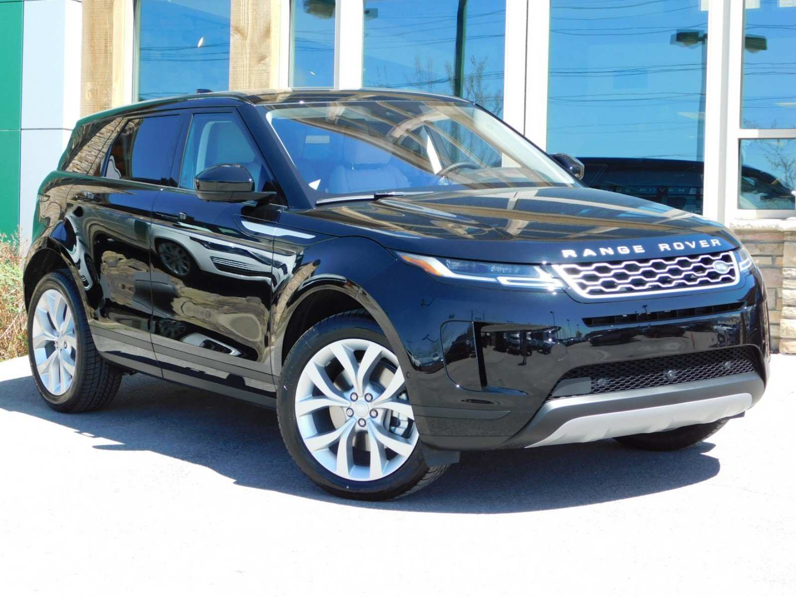 33 The 2020 Land Rover Range Rover Prices
