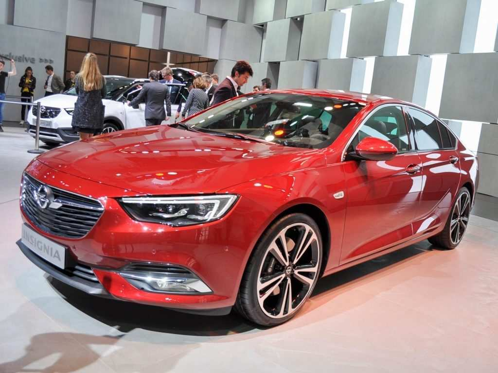 34 A Nouvelle Opel Insignia 2020 Speed Test