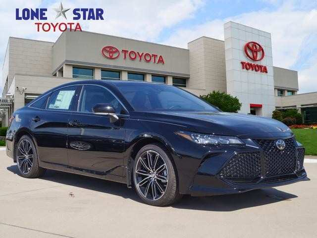 35 A 2019 Toyota Avalon Xse Interior