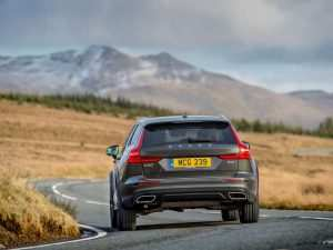 35 A 2019 Volvo V60 Cross Country Release