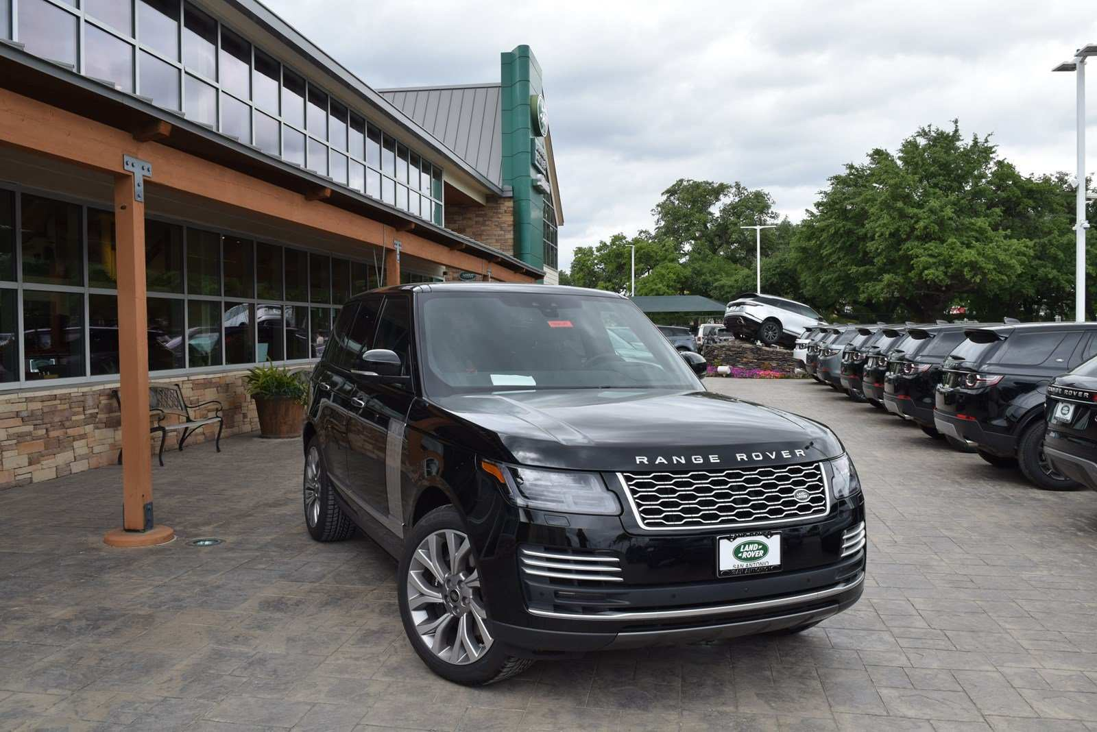 37 New 2019 Land Rover Autobiography Overview