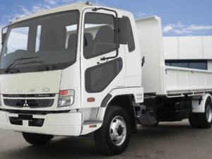 39 A Mitsubishi Canter 2020 Concept and Review