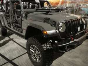 40 A 2020 Jeep Gladiator Lifted Exterior and Interior