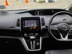 41 A Nissan Serena 2019 Picture