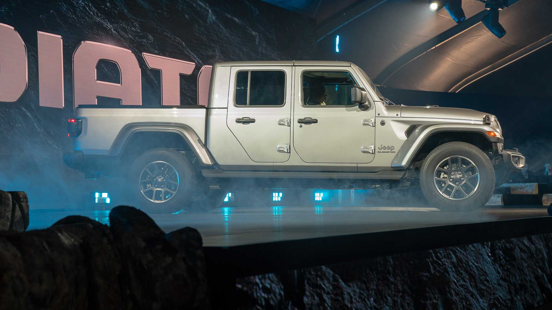 42 The Best 2020 Jeep Gladiator Motor Redesign And Concept