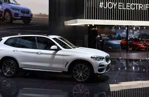 55 A BMW Hybrid Suv 2020 Picture