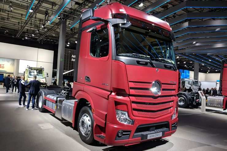 57 A Mercedes Truck 2019 Research New