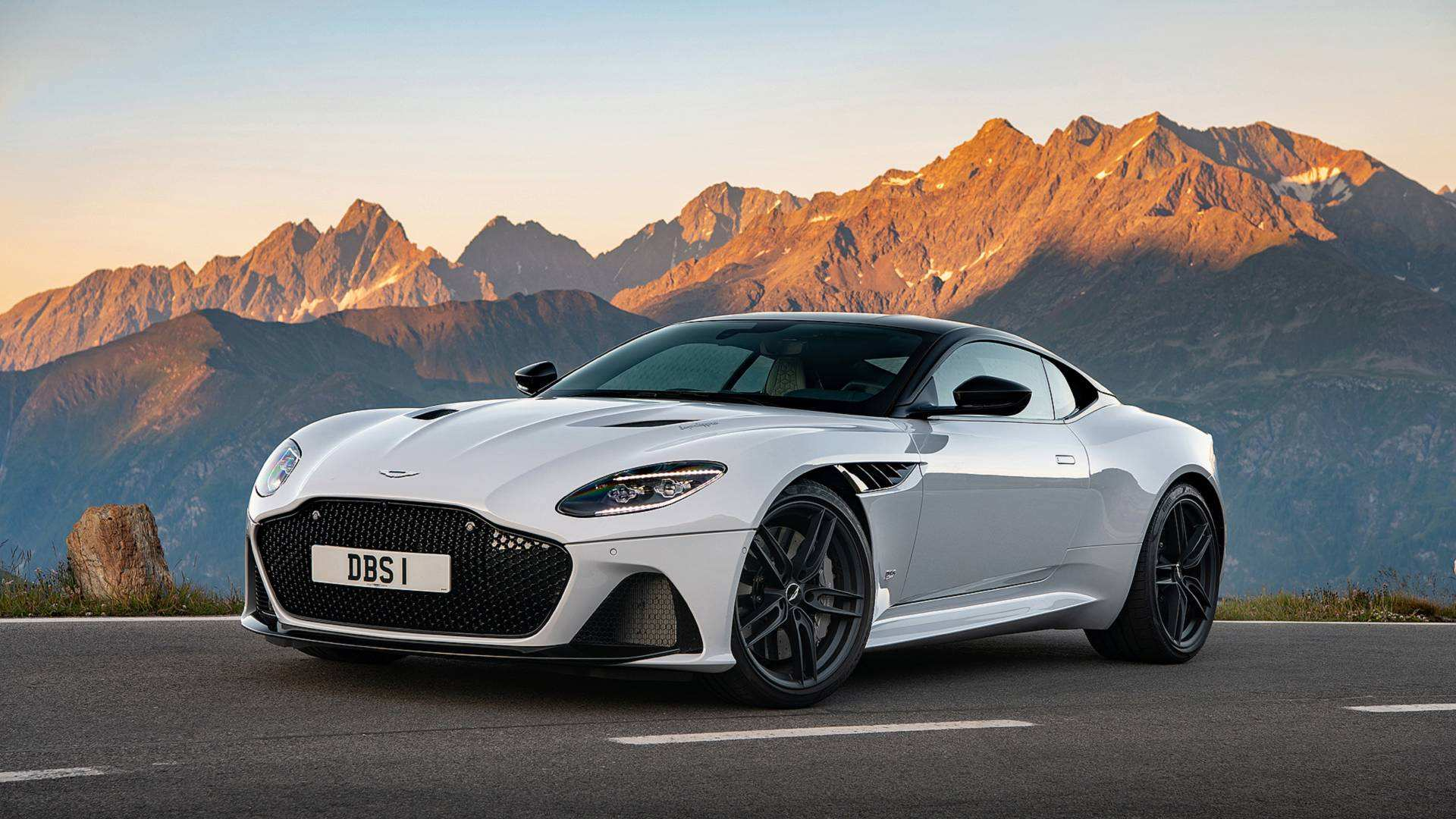 60 New 2019 Aston Vantage Picture