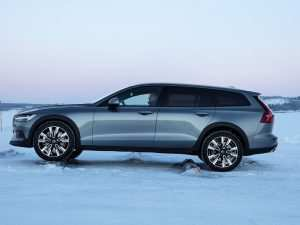 62 A Volvo 2019 V60 Cross Country Concept