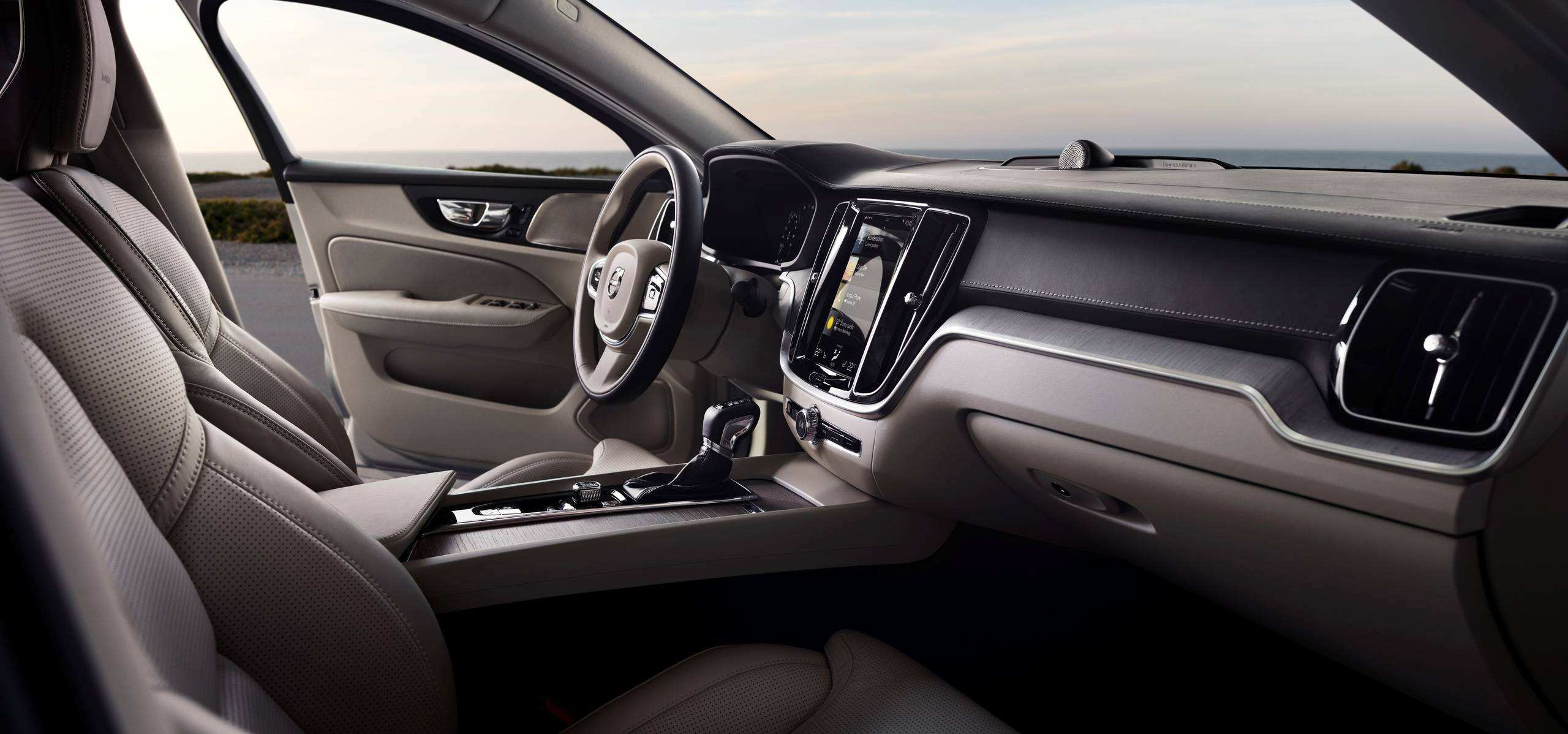69 A 2019 Volvo 780 Interior Performance