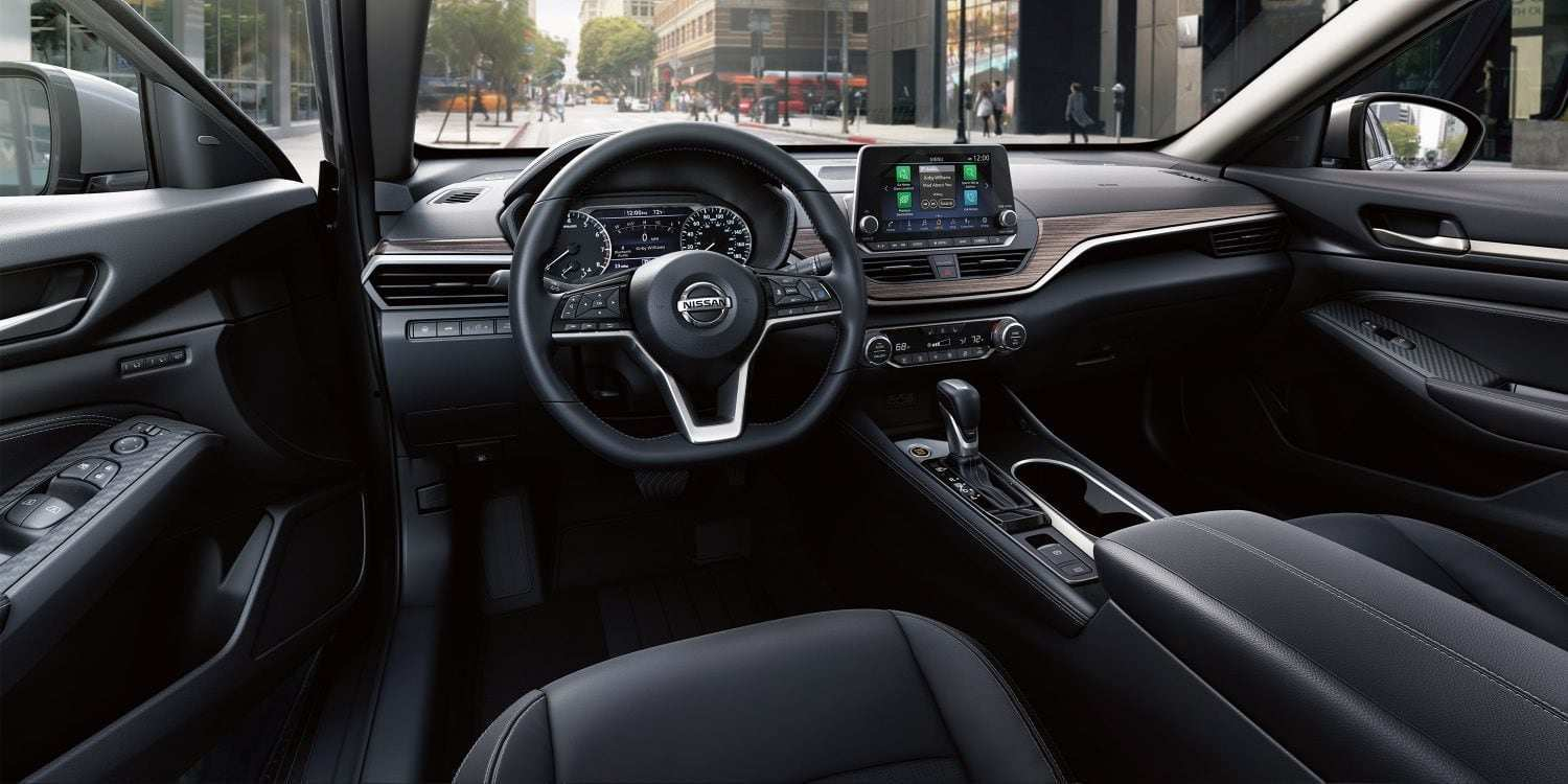 71 New 2019 Nissan Altima Black Overview
