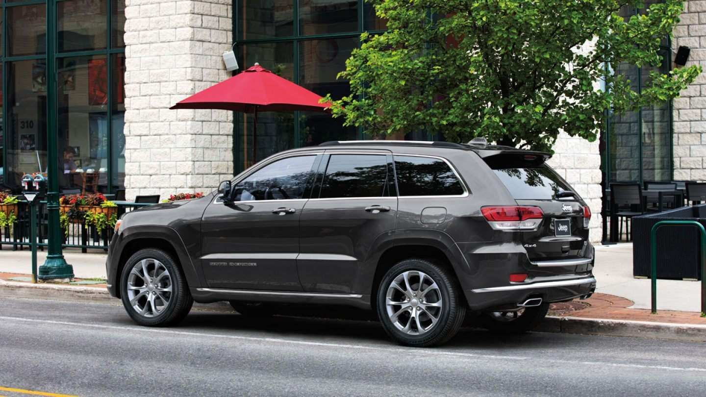79 A 2019 Jeep Grand Cherokee Interior Style