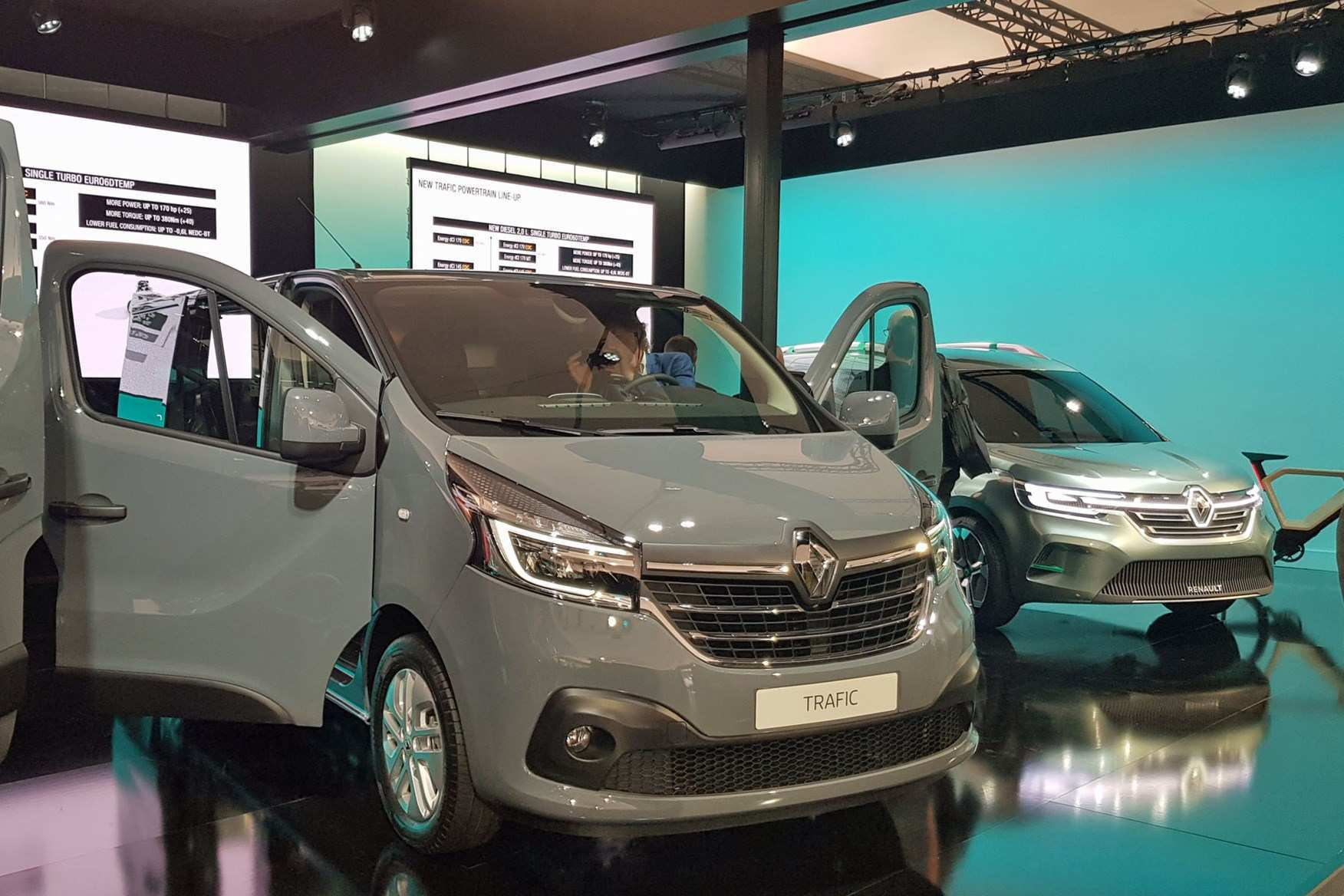 83 All New 2019 Renault Trafic History