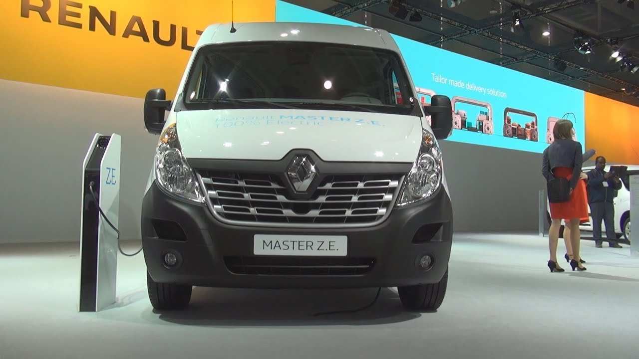 86 The 2019 Renault Master Style