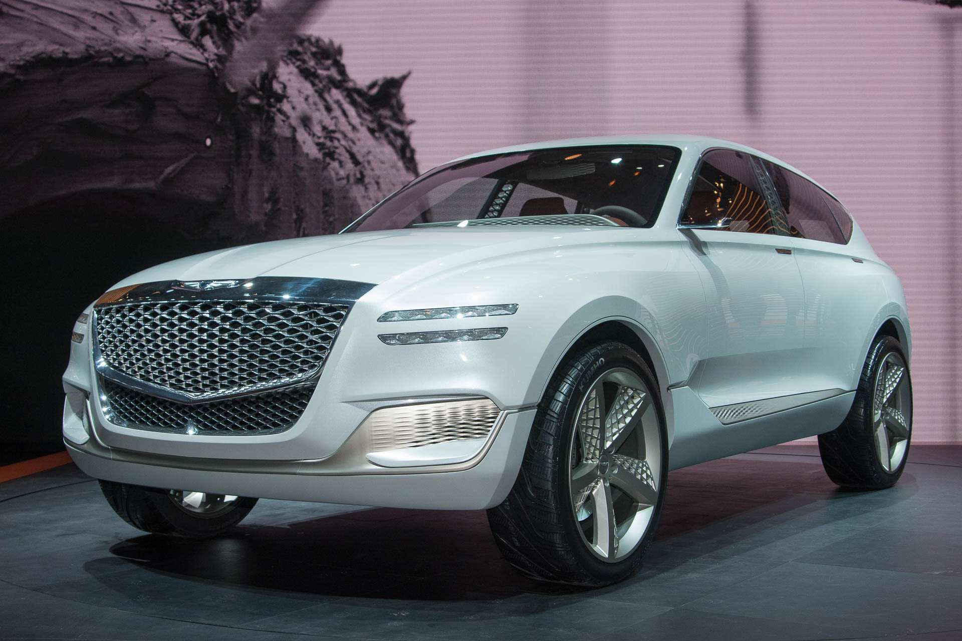 91 A 2019 Genesis Suv Pictures