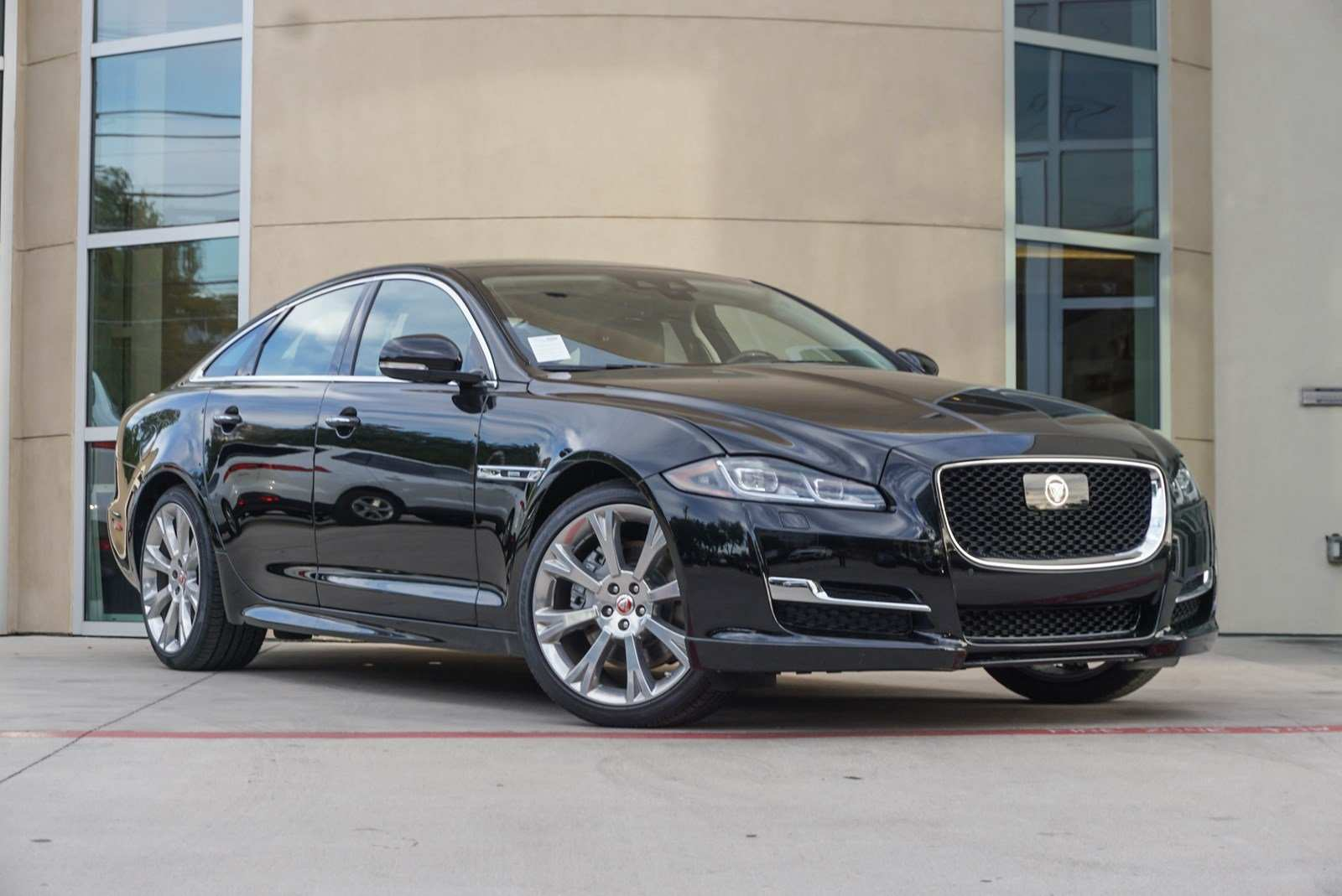 98 A 2019 Jaguar Sedan Picture