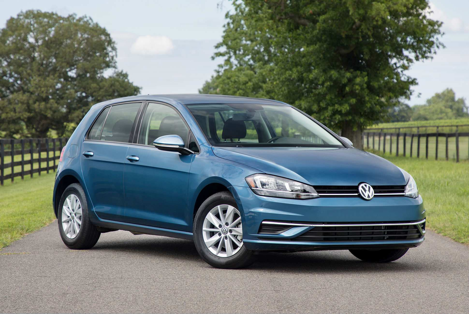 98 The Volkswagen Golf Mk8 2020 Concept and Review