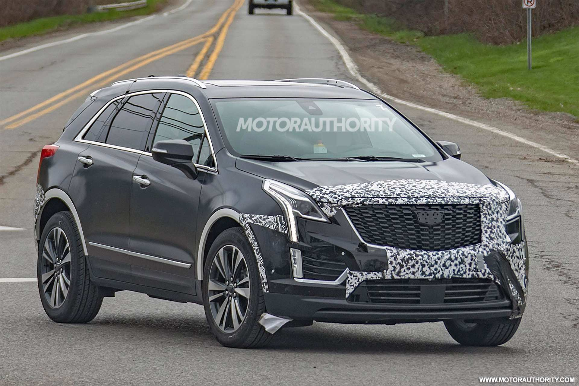 18 New Cadillac Midsize Suv 2020 Picture