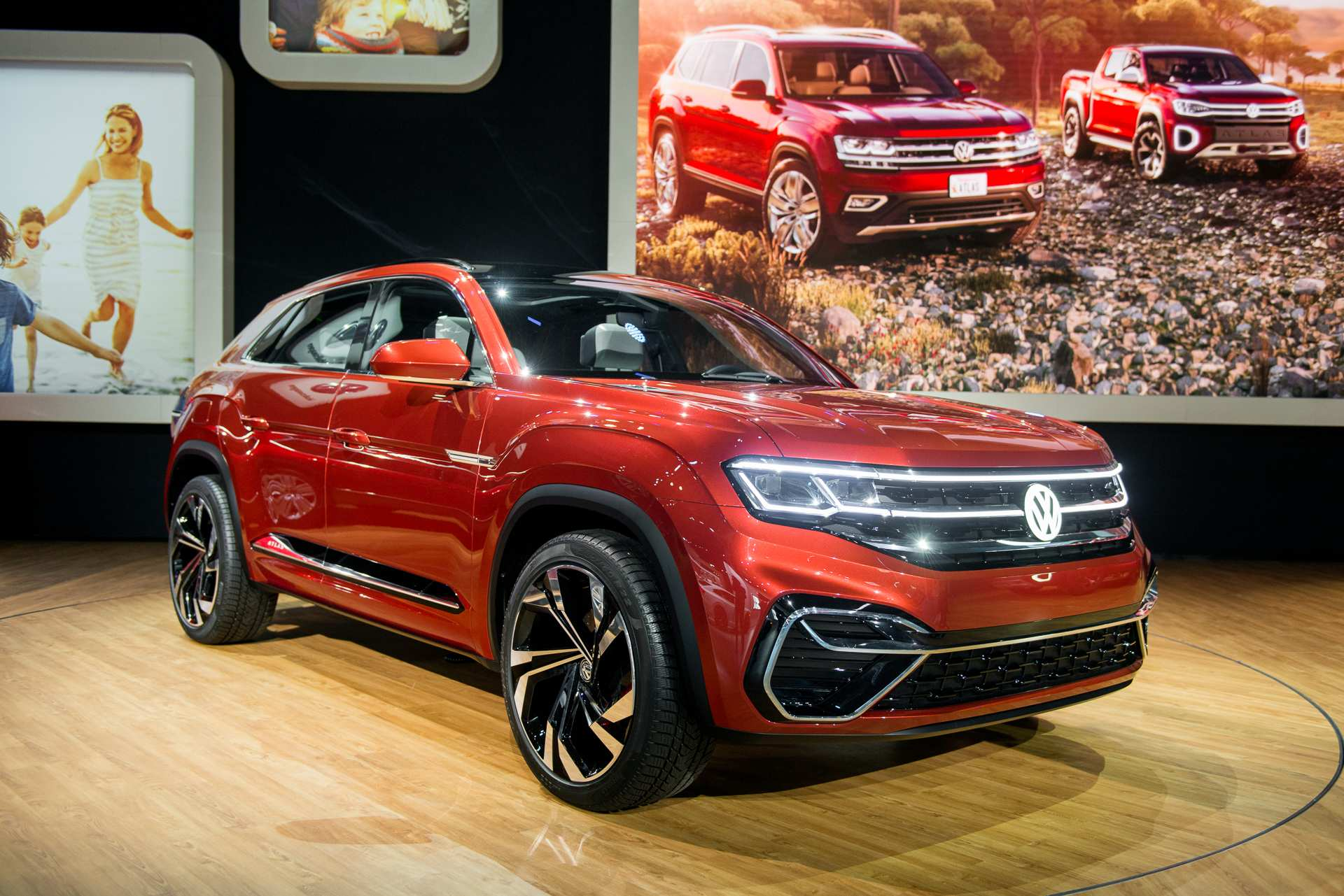 27 A Volkswagen Plug In Hybrid 2020 Pictures