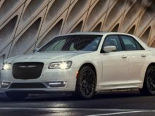 20 All New 2019 Chrysler 300 Performance and New Engine