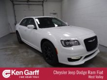 27 A 2019 Chrysler 300 Speed Test