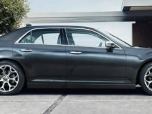 55 A 2019 Chrysler 300 Photos