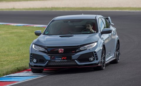 82 The 2019 Honda Civic Type R Exterior and Interior