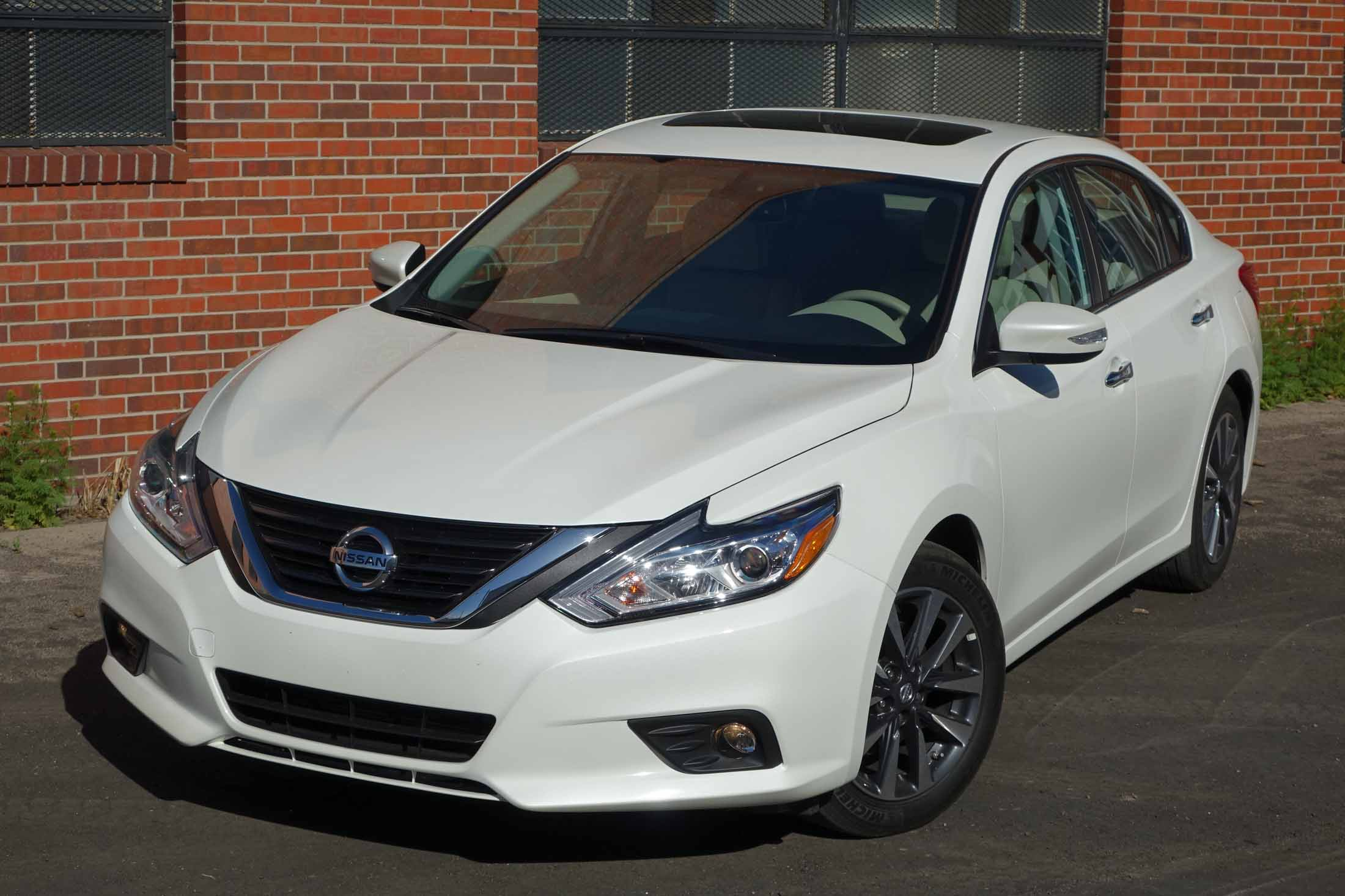 83 A Nissan Altima Coupe 2017 Performance