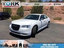 87 The 2019 Chrysler 300 Price and Review